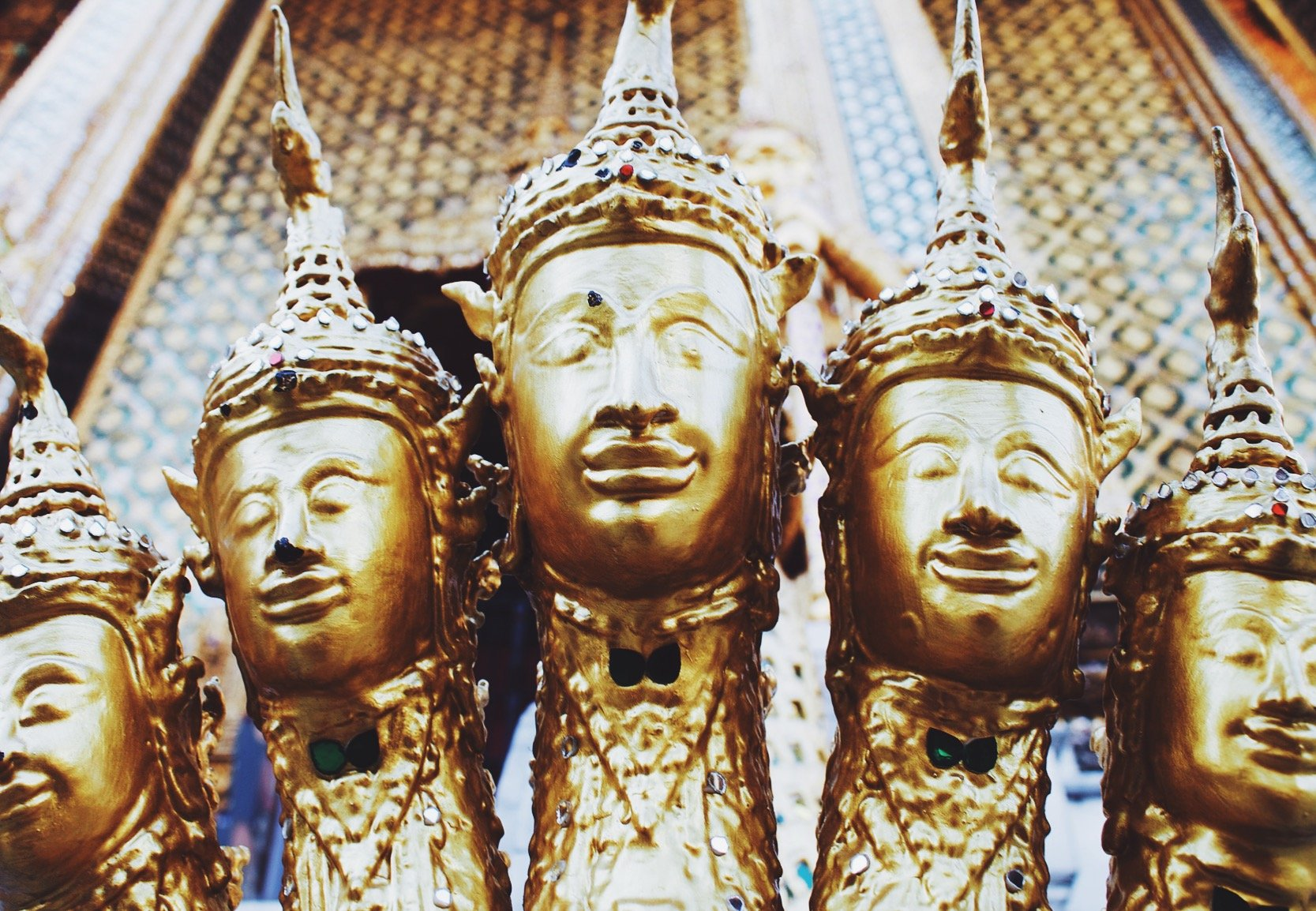 Wat Phra Kaew Guide Bangkok Thailand Cost | Earth Below Girls Female Travel & Lifestyle Blog