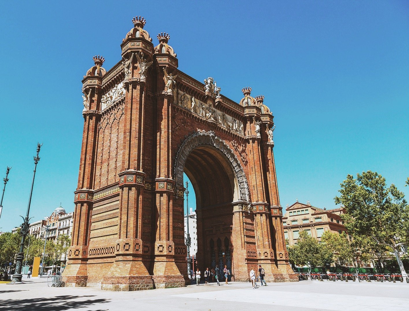 Girls Guide Barcelona | Four Days in Barcelona Guide | Female Travel | Earth Below Girls