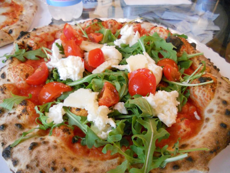 Gusta Pizza, The Best Pizza in Florence | Italy | Female Travel & Lifestyle Blog| Florence Study Abroad guide