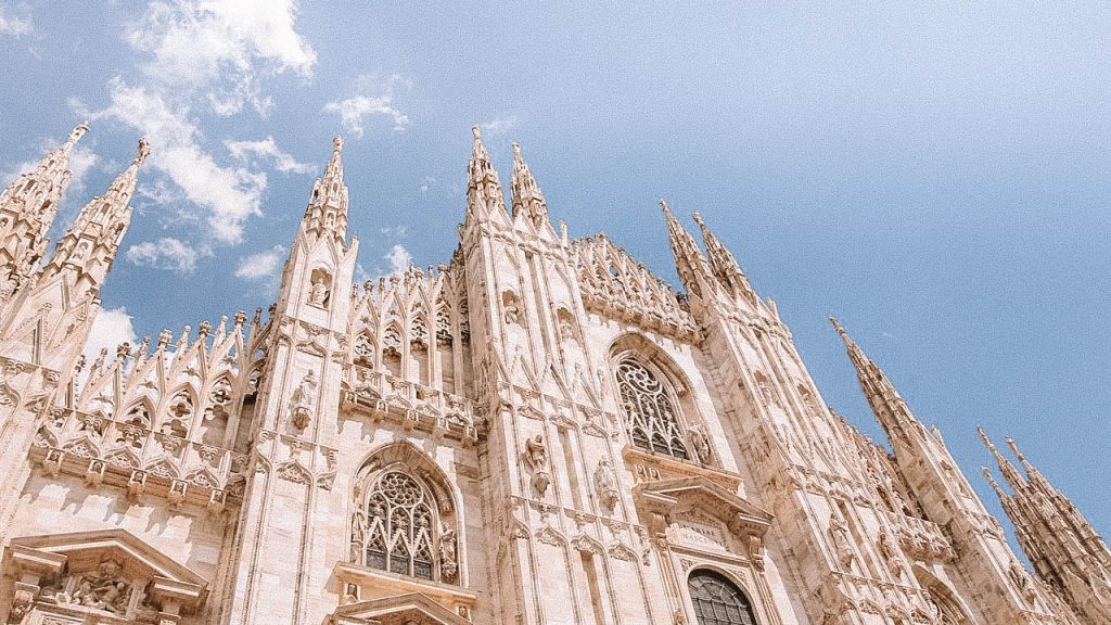 Milan in 24 Hours Guide | Earth Below Girls Female Travel & Lifestyle Blog | Milan Italy Guide
