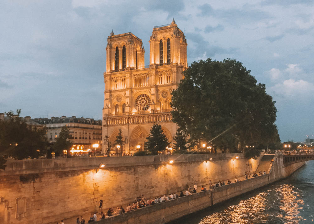 Top Things to do in Paris 2018 | Earth Below Girls Top Things to do in Paris 2019